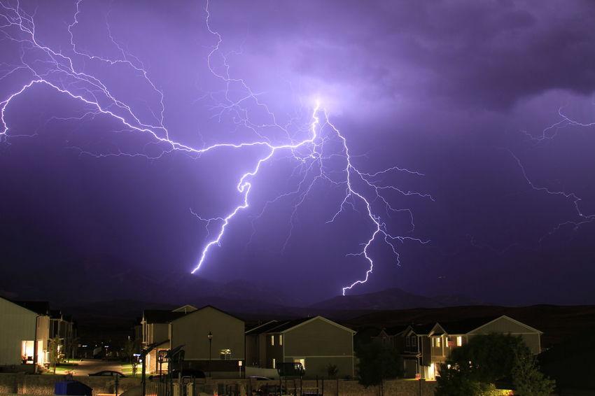 Nature Lightning Storm Lightning Bolt Forked Lightning Lightning Thunderstorm Power In Nature Storm Cloud Storm Illuminated Dramatic Sky Extreme Weather Sky
