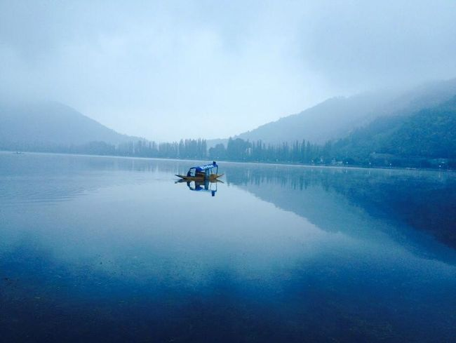 Blue Boat Clean Air Jhelum Lovely Mountain O Shedows Shikara Water Weather
