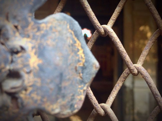 Focus On Foreground No People Outdoors Discoverromania Church Focus Metal Close-up Dayofthecity Dayofthephoto Forbidden First Eyeem Photo FirstEyeEmPic FirstPhoto