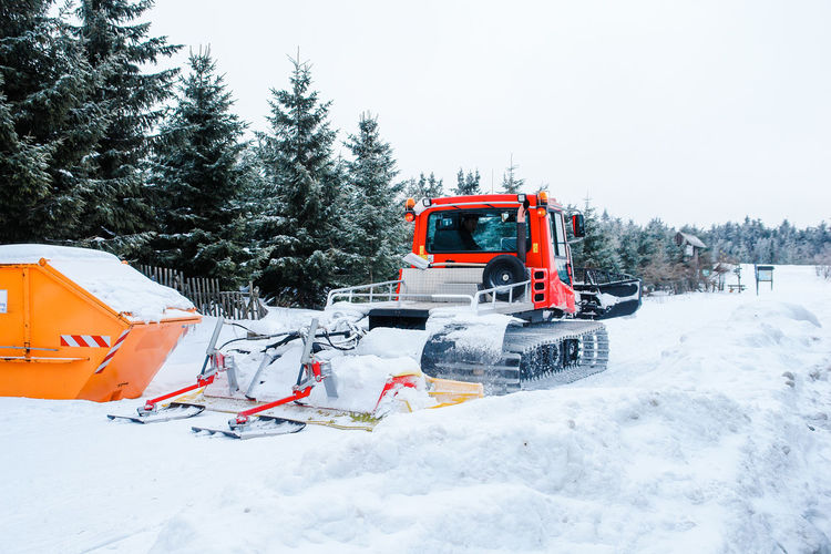 Street Copy Space Road Winter Winter Service Beauty In Nature Cold Temperature Day Nature No People Outdoors Sky Snow Snow Blower Snow Blowing Snow Covered Snow Plough Snow Plow Snowplough Snowplow Snowplowing Transportation Tree Weather Winter Shades Of Winter