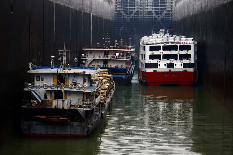 Boat Boats Cruise Group Of Objects Lock Mode Of Transport Moored Nautical Vessel No People Ship Ship Lock Ships Three Gorges Dam Tranquility Transportation Water Waterfront Yangtze River