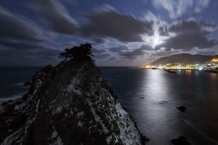 Night Moonlight Moon Sea Sky Water Cloud - Sky Nature Beauty In Nature Scenics No People Outdoors