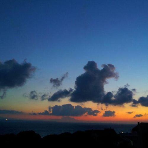 Sardegna, Alba sulle Bocche di Bonifacio Nofilter Nofilters Senzafiltri Senzafiltro Sardinia Instasardegna Sardegna Dawn Sunrise Aurora Italy Sea Sun Mare Alba Aurora Italia Sardolicesimo Sardegnaofficial Lanuovasardegna