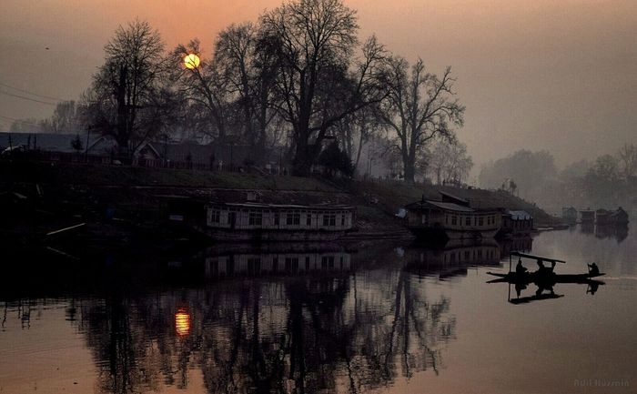 Sun sets to rise again... Relaxing Taking Photos EyeEm Best Shots Check This Out EyeEm Masterclass Fresh On Eyeem  The Great Outdoors Kashmir Diaries Srinagar  EyeEm Nature Lover Documentary Colors Popular Landscape Photooftheday Storyteller Travel Destinations ASIA Sunset Ultimate Boats River View Jhelum Story Time Life In Colors