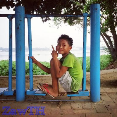 Weekend is coming. ✌ ☺ Kandawgyi Goldenland Tagsforlikes Road PhonePhotography Playground Igglobal Handinframe Hot_shotz Burmeseboy Burmeseigers Ig_photo_life Burma Myanmarphotos Myanmar Mandalay Vscomyanmar Igersmandalay Igersmyanmar Tgif Weekend GalaxyGrand2 Zawth