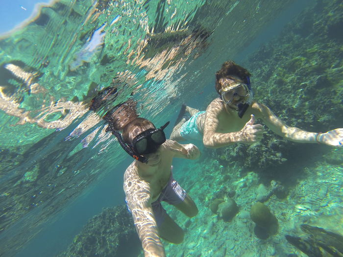 Utila Honduras Scuba Diving Utila Utila ♡ Adventure Dive Full Length Leisure Activity Nature Scuba Diver Scuba Diving Scuba Mask Sea Snorkeling Swimming Two People UnderSea Underwater Utila, Islas De La Bahia, Hn Vacations Water