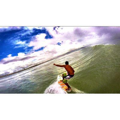 Só preciso saciar minha sede de liberdade.🌊🏄⛅️🌀☔️🏡🌴😎Allallauu Athome  Lifeapp via @lifeapp Gopro Gopole Aerialsurfing Surfer Truetothis Ondaperfeita Perfectwave Vscobrasil Barrels LiveTheSearch