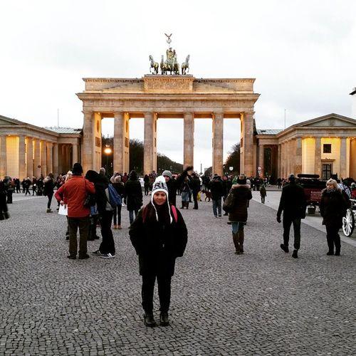 Das Brandenburgertor und @CharlineHuynh - Berlin