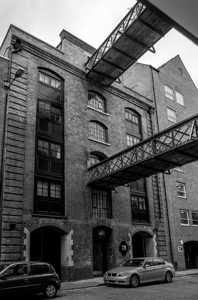 Dundee Wharf, Wapping High Street, Wapping, London Architecture Docks Warehouse FUJIFILM X-T2 Monochrome Wapping Monochrome Photography Black And White London FUJIFILMXT2 Wharf