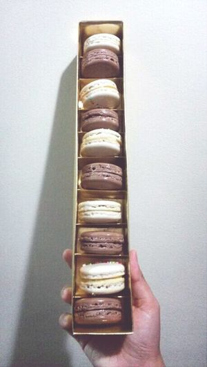 a box of macarons! for a gift maybe? ;) Macaron Frenchmacaron Chocolate Vanilla