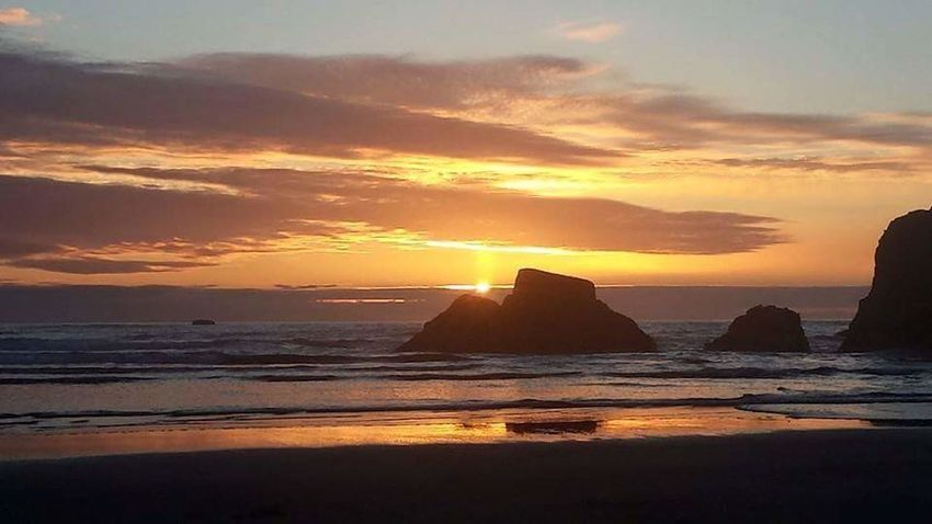 Sunset at Ruby Beach, WA Sunset Sea Beach Sand Rock - Object Travel Destinations Beauty In Nature Reflection Landscape No People Tranquility Travel Sunlight Sky Cloud - Sky Must See SPIRITUAL HEALING Horizon Over Water Sand, Sea, & Sky NoEditNoFilter Colorful Sky Favorite Place Nature's Design