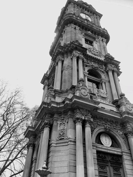 İstanbul Dolmabahçe Sarayı saat kulesi