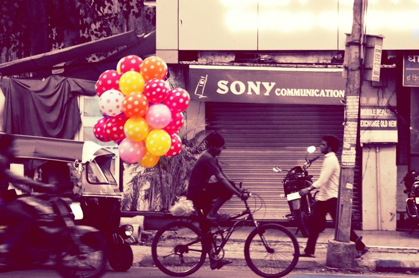 Life In Motion Life In Colors Movement Photography Bicycle Life Balloons People Still Life Pune Maharshtra India Lifestyles Poorlife