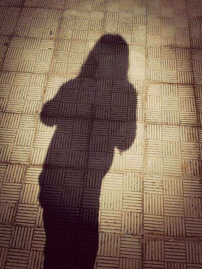 L'ombra l'amico che ti segue ovunque ...;)