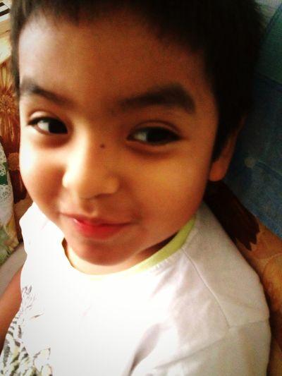 Miradas Picaras.. Kidsphotography Hiworld Enjoying Life 😁😉😘