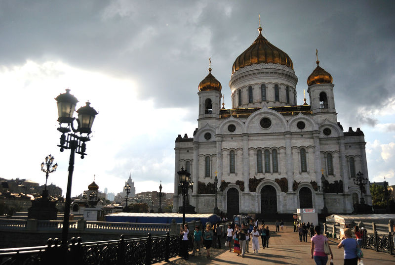 Architecture Cathedral Cathedral Of Christ The Saviour City Cloud - Sky Low Angle View People Place Of Worship Religion Spirituality храм христа спасителя