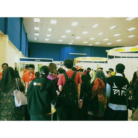 Full house for registration Karnival Kerjaya
