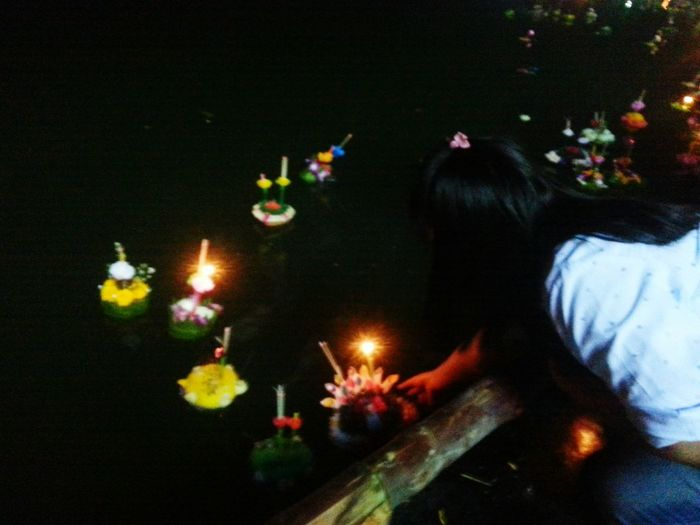 After many years ago . ...then back to Loy Kratong festival in this year😁😁😁😁
