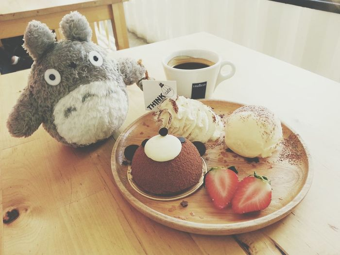 [^^] : Today working space...Think Cafe @ The Bloc Totoro Thinkcafe Coffee Cake