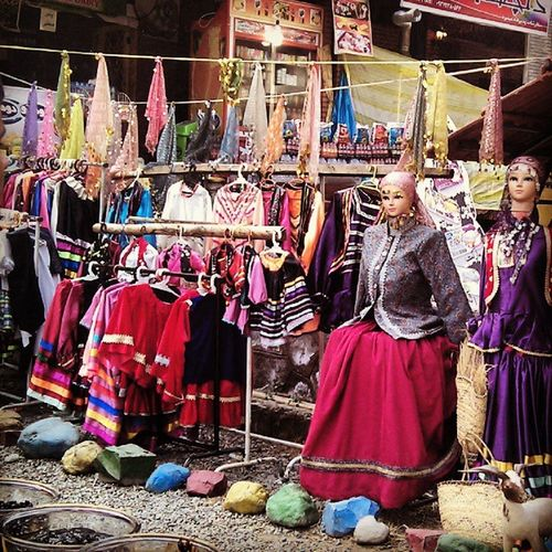 شمال براي من هميشه سرزمين رنگهاست Gandotours Iran Irantravel Colorful Lahijan Masoleh Traditional Costume Traditional Clothing