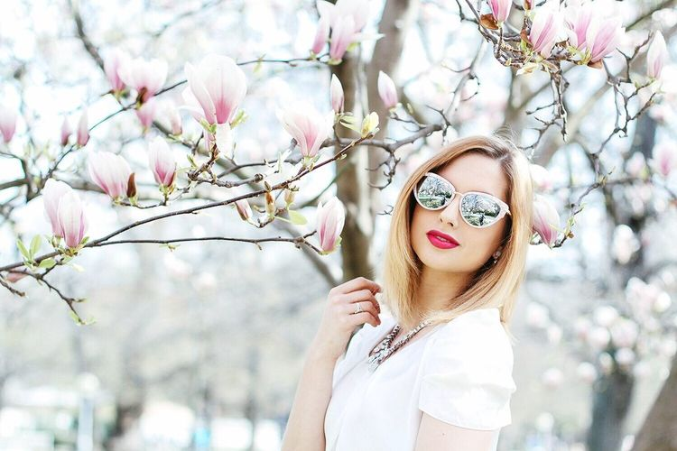 Showcase April Nature Tree Magnolia Spring Flowers Spring Urban Lifestyle Bratislava Slovakia Beauty Fashion Blogger Portrait Of A Woman Portrait April Fashion Photography The Portraitist - 2016 EyeEm Awards