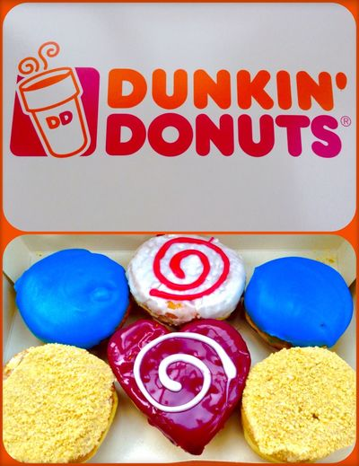 "Sweets | Doughnuts @ Dunkin'Doughnuts / Dunkin Donuts / Dunkindonuts @ Behrenstraße , Berlin; Visavi Club/Bar/Restaurant "" Felix """