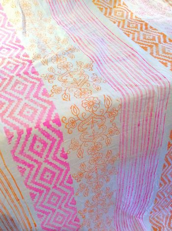 Impression à la planche.. Handmade Textile Blockprint Sausset Les Pins Etole Scarf Corail Look Of The Day  Pinkfluo
