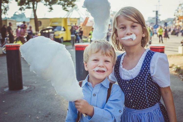 Traditional Clothing Children Kids Germany Bayern Munich Bavaria Wiesn München Oktoberfest September Zuckerwatte Cotton Candy