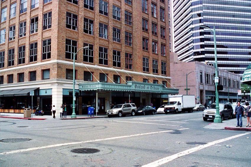 Oakland Oakland Tribune Tower Walking Around