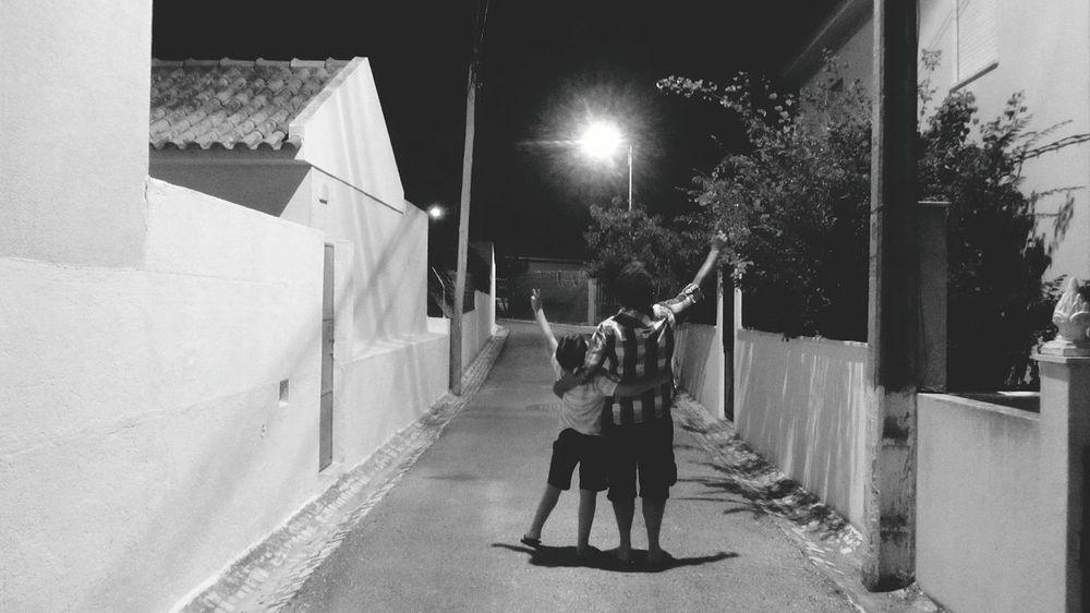 Me and my Son... Family Time ♥ EyeEm Bnw EyeEm Best Shots - Black + White Eyeemphotography ¡Eyeem Addict! Taking Photos Taking Pictures