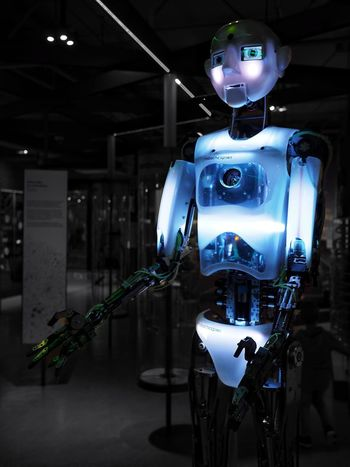 The future is bright - 28.10.2018 - MAinLoveWithLightAndShadow Colors Blue Blues Light Shadow Light And Shadow Black And White Bnw Cyborg Cyborgs Robot Robots Robotics Artificial Intelligence Artificial Life Life