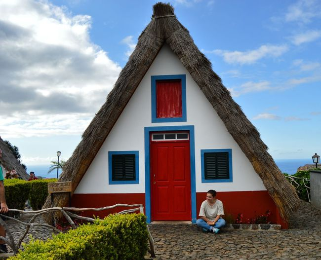 That's me 🙈 Me Taking Photos Tipical House Santana Madeira Madeiraisland Madeiradigital Nikon D3200 Nikonphotography Colour Of Life
