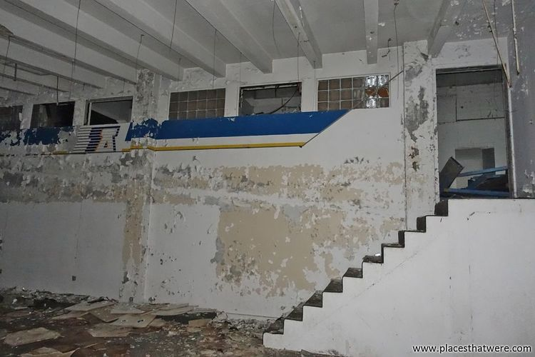 Downstairs. More at www.placesthatwere.com Architecture Zips Urbex Abandoned & Derelict Akron Eerie Urban Exploration Track And Field Stadium Akron Ohio Abandoned Football Creepy Sports Track Ruins Rust Belt Football Stadium Derby Downs Stadium Abandoned Building Abandoned Places Basement Rubber Bowl Peeling Paint Downstairs Sport