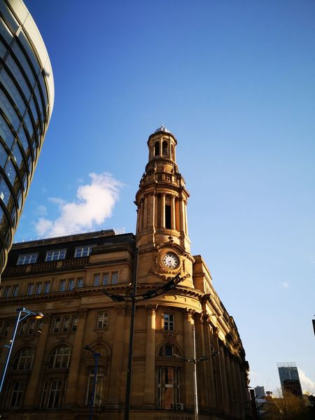 summers evening Manchester Manchester Nofilter Goldenhour Thisisengland Huaweip20 Sunset Huaweiphotography This Is England Huawei P20 Cityscape City History Sky Architecture Building Exterior Built Structure Cloud - Sky Palace Dome