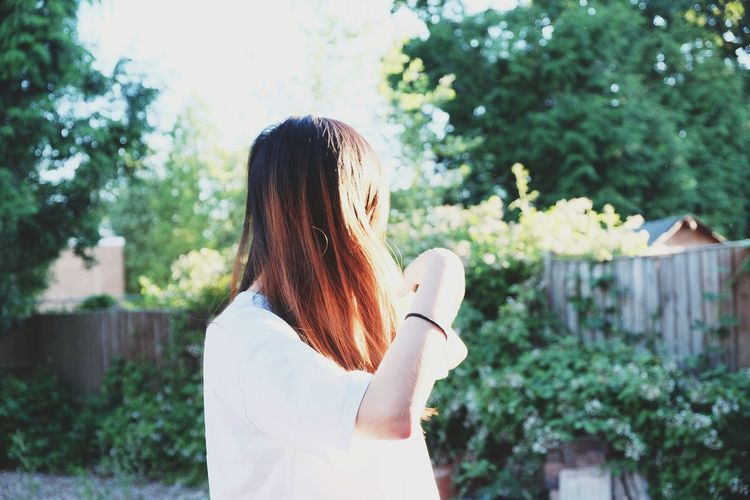 Lights will guide you home. And ignite your bones. And I will try to fix you. Girl Summer Fujiflm Film Photography Tree Women Young Women Flower Happiness Long Hair Standing Domestic Life Casual Clothing