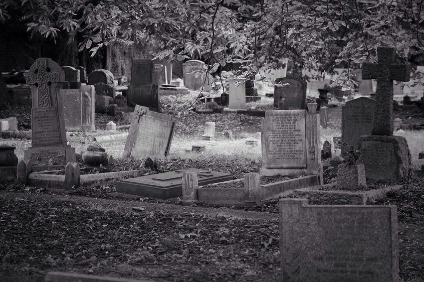 No Property No People Tombstone Cemetery Memorial Grave Graveyard Gravestone Outdoors Canon Black & White Creative Photography Graveyard Beauty Churchyard Burial Ground Canonphotography South West London