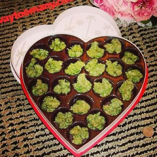 Why couldn't I of just gotten this? Lol Omg IWant Now Weed valentine valentinesday thiseouldbeawesome awesome amazing yesplease maryjane hasmyheart unf babyplease lmao imcrazyforthis beautiful beauty singledoe single whateverdoe haha
