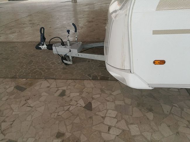 trailer tow hitch Attack Caravan Clipping Day Hitch Hook Mode Of Transport No People Outdoors Roulotte Trailer Transportation