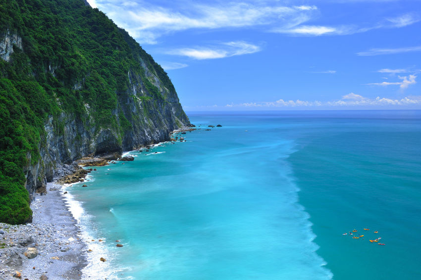 Beach Beauty In Nature Blue Cloud - Sky Day Horizon Over Water Nature No People Outdoors Sand Scenics Sea Sky Tranquil Scene Tranquility Water Wave 寧靜 山 旅行 清水斷崖 清涼感 舒服 蘇花公路