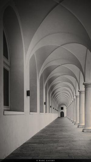 Weg im Stallhof EyeEm Best Shots EyeEm Best Shots - Black + White Monochrome EyeEm Best Shots - Architecture Barock Baroque Dresden - Barock Statt Beton Architecture Dresden / Germany
