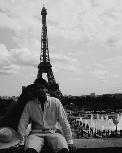 Cheese! Hello World Taking Photos Amour Paris Surprise Love Boyfriend Blackandwhite
