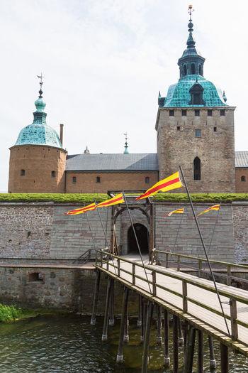 Drawbridge at the moat to the kalmar castle