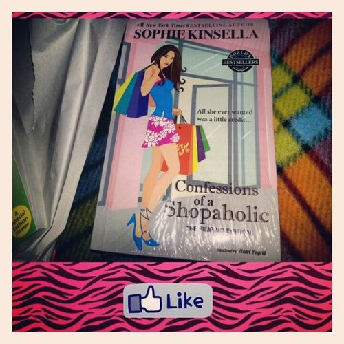 Yeeey...! I got the Confessionsofashopaholic Book - book to Read over the Holiday fave movie favorite favoritemovie instapics instabooks instamood rebeccabloomwood