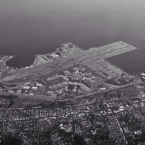 Flying over San Francisco Airport Flysf Sfo