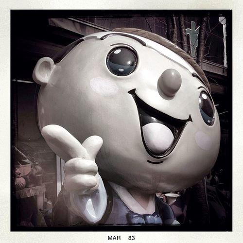 Egg head #seoul_korea #seoul #travel #statue #street #flea market #market #head Street Market Travel Statue Seoul HEAD Flea Seoul_korea