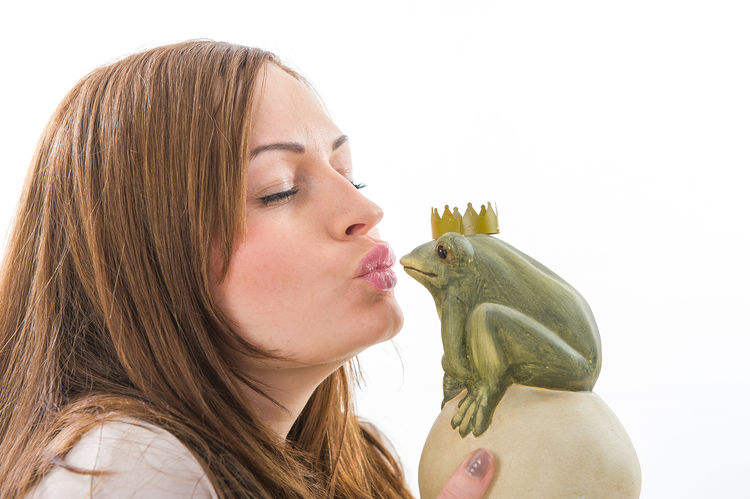 Beauty Casual Clothing Close-up Fairy Tale Fashion Frog Frog King Head And Shoulders Headshot Kiss Kissing Lifestyles Long Hair Luxmom Portrait Studio Shot Woman Woman Portrait Young Adult Young Women