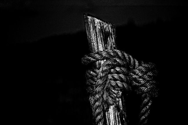 hitchin' post …… Black Background Close-up Hitching Post Knot Knotted Rope The West Welcome To Black