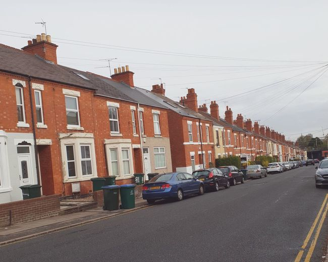Houses Cars Same  Houses England, UK Bricks City Cityscape Road Residential Building Window House Street Architecture Building Exterior Built Structure