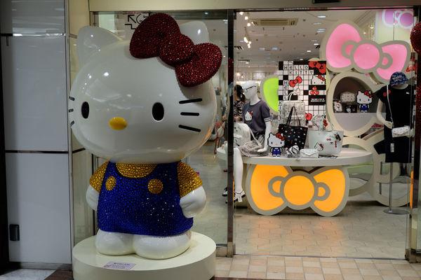 キティちゃん Hello Kitty Fujifilm Fujifilm X-E2 Fujifilm_xseries Ginza Hello Kitty Hello Kitty <3 Japan Japan Photography Kitty Tokyo Yurakucho キティちゃん ハローキティ 有楽町 東京 銀座