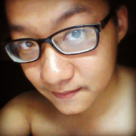 CÁC BẠN PHẢI BIẾT LÀ: GIỮ ĐƯỢC MẶT THẾ NÀY LÀ CẢ MỘT KỲ TÍCH :) :) :) Me Crazy Outofmind Mind  face vline vờ lìn vilain line